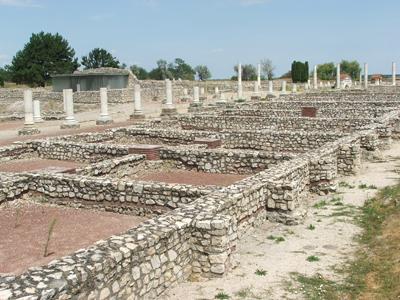 Развалины древнеримского города, сейчас здесь открыт музей под открытым небом