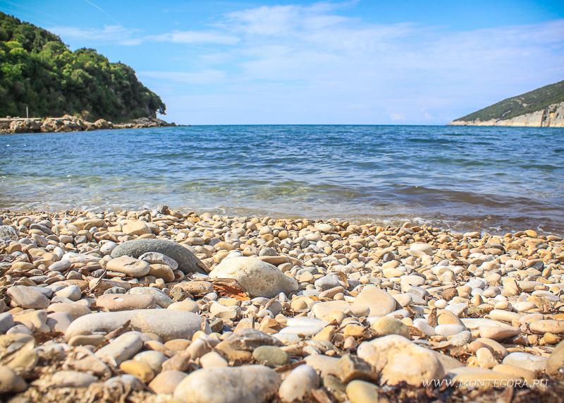 Пляж Валданос находится 5 пяти километрах от Ульциня