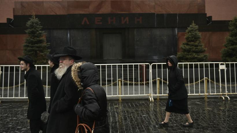 20171103_12-27-Выносить нельзя оставить- москвичи о захоронении тела Ленина-pic1