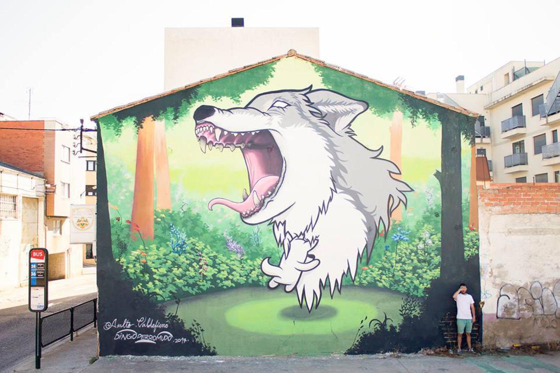 The street art of Dingo Perromudo offers us a nice breath of greenery
