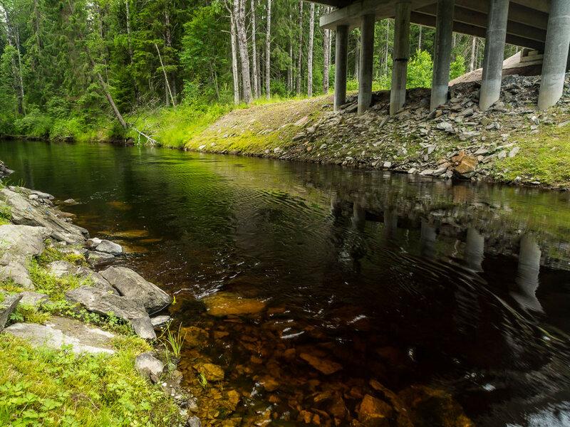 Река (в данном случае Сюскюнйоки) обеспечивает воду для варки и мытья.
