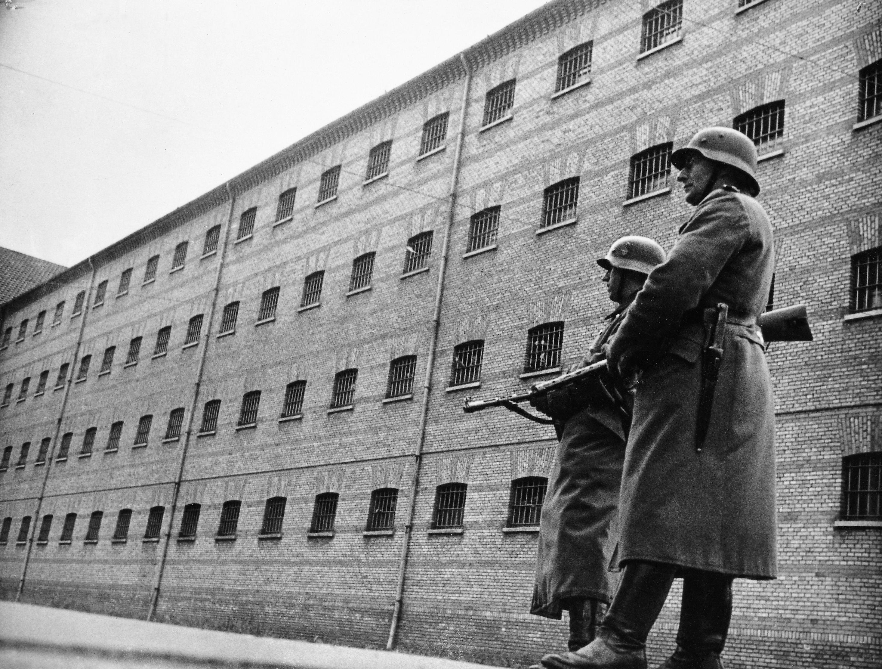 1944. Немецкие охранники в тюрьме Вестре