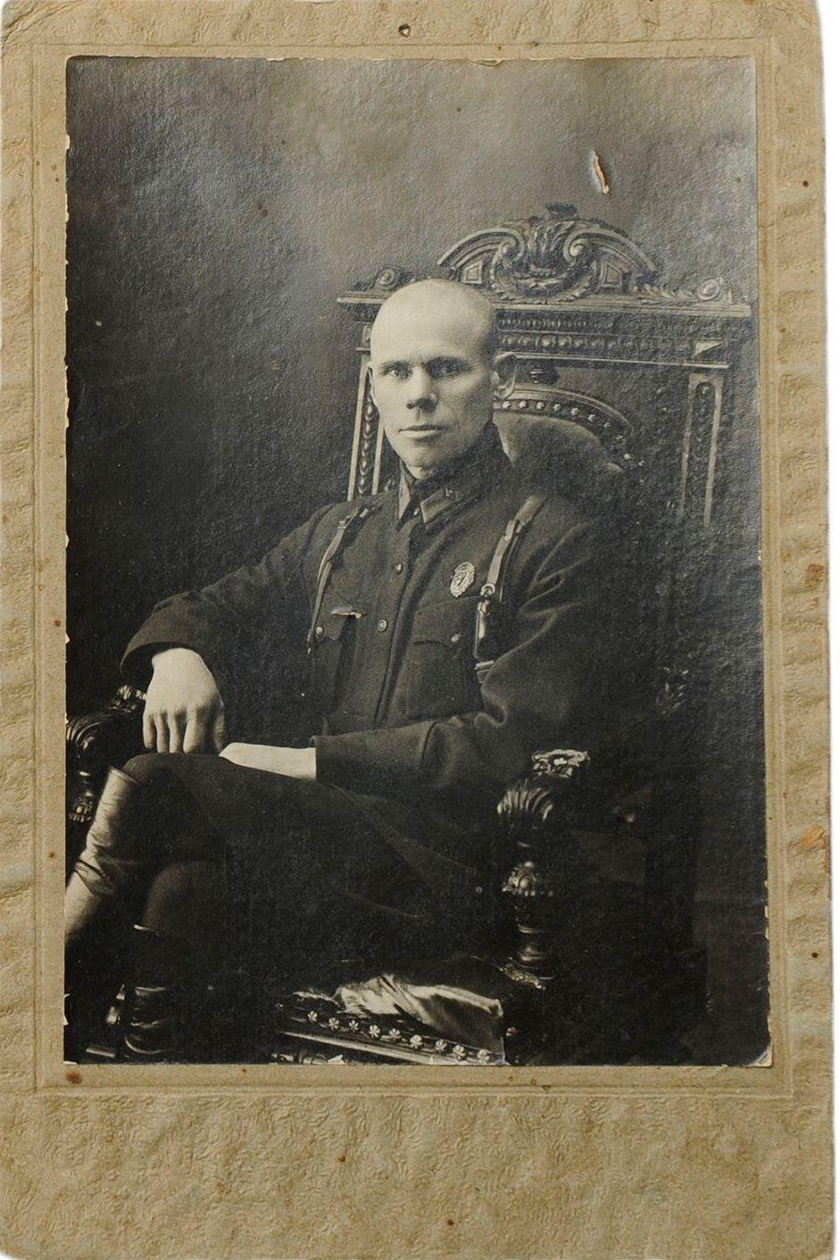 1930-е. Фото начальника горотдела милиции адмотдела исполкома