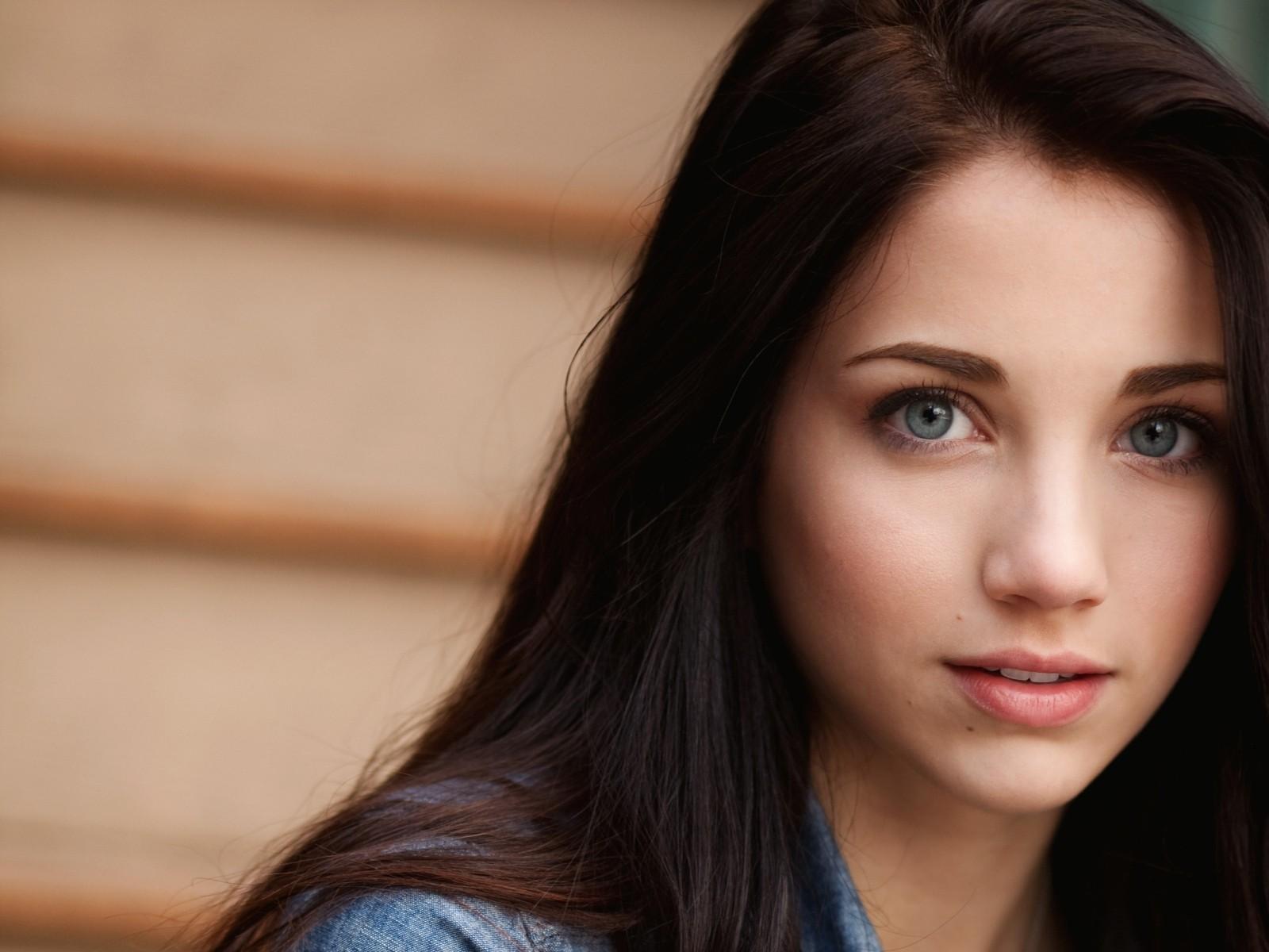 Симпатичная девушка с красивой жопой 24 фотография