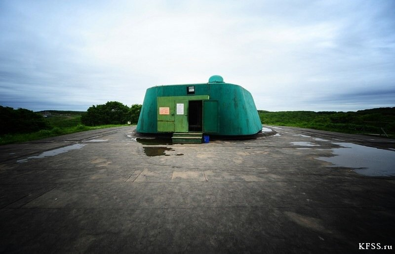 Вход в башню, Ворошиловская батарея (№981), остров Русский