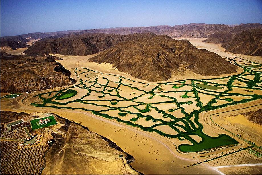 7. Ирригационная система в пустыне Вади Рум, Иордания.