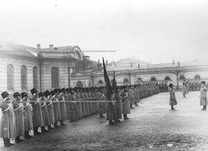 Построение 1-ой Уральской его величества казачьей сотни во дворе казарм на Инженерной улице,13.
