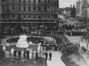 Командный состав батальона в день открытия памятника подвигам Саперного батальона .