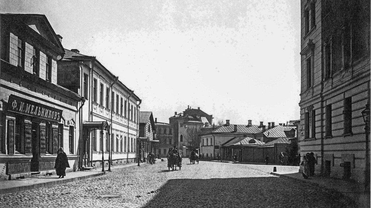 Улица Спиридоновка