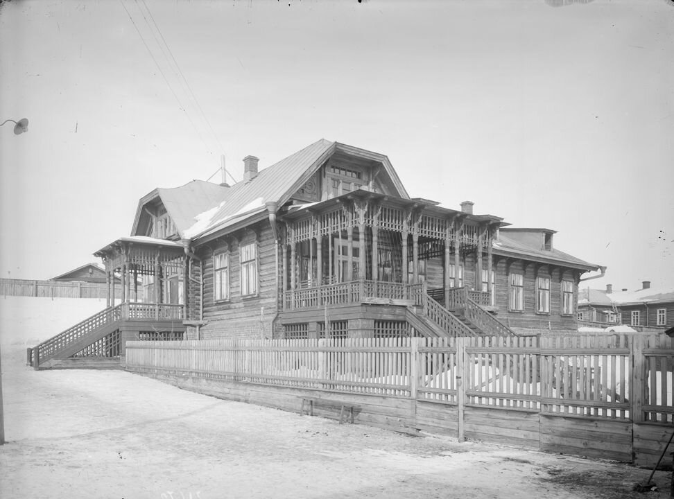Сормово.Общий вид жилого дома старшего врача завода. 1906