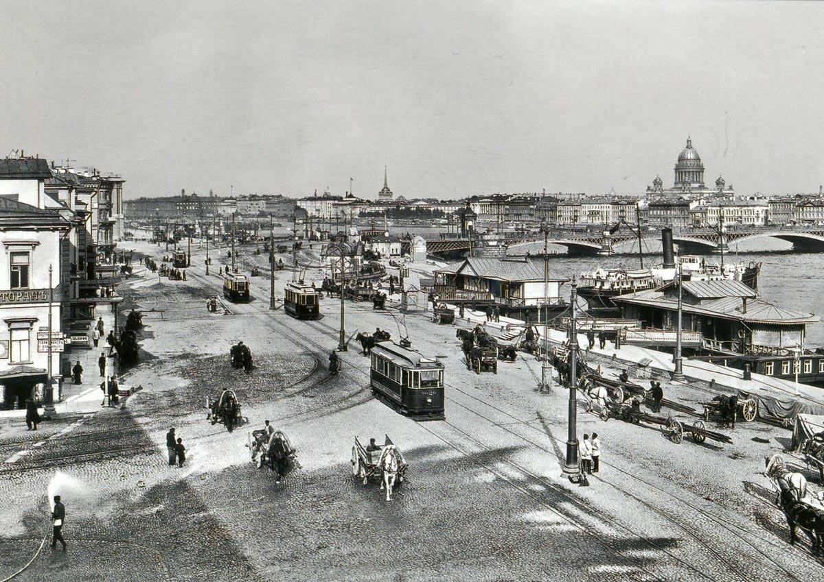Вид на Неву, Николаевский мост и Николаевскую набережную. 1910-е г.