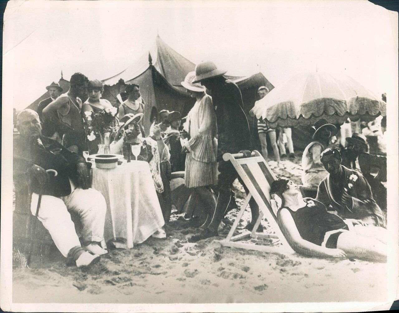 1928. Ялта. На пляже