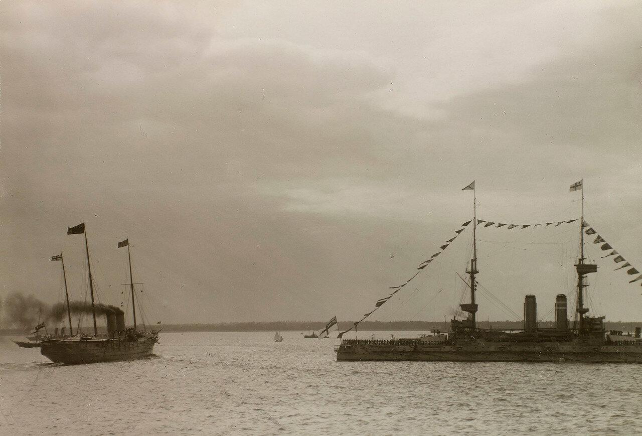 Королевская яхта «Виктория и Альберт III» и другие яхты