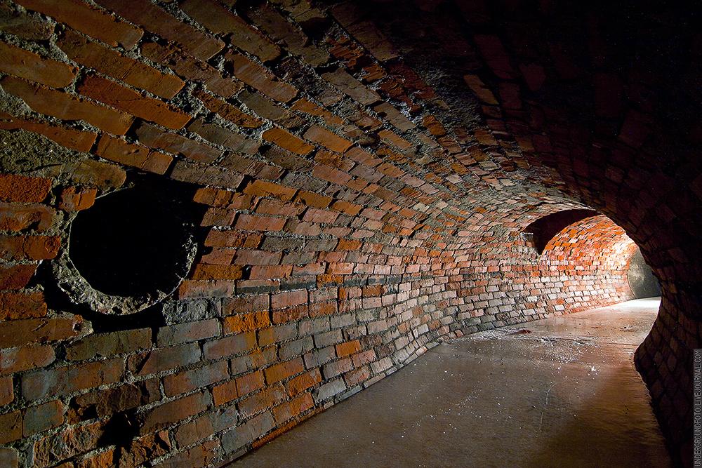 Лед в тоннеле
