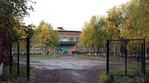 Фотография Инты №5799  Въезд на территорию Куратова 20 с улицы Горького 13.09.2013_12:28