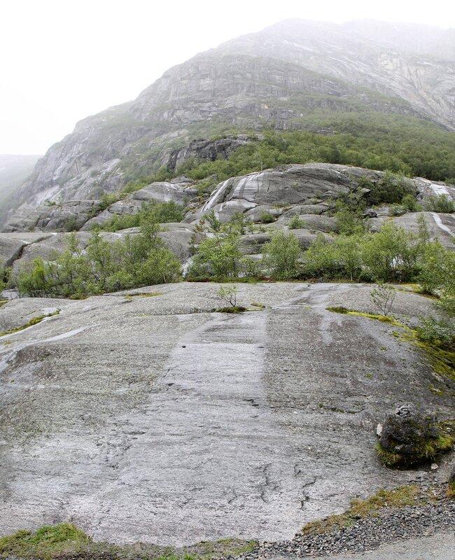 Ледник Бриксдалсбреен. Briksdalsbreen glacier