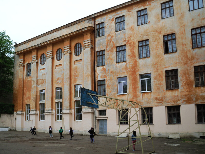 Двор школы № 21