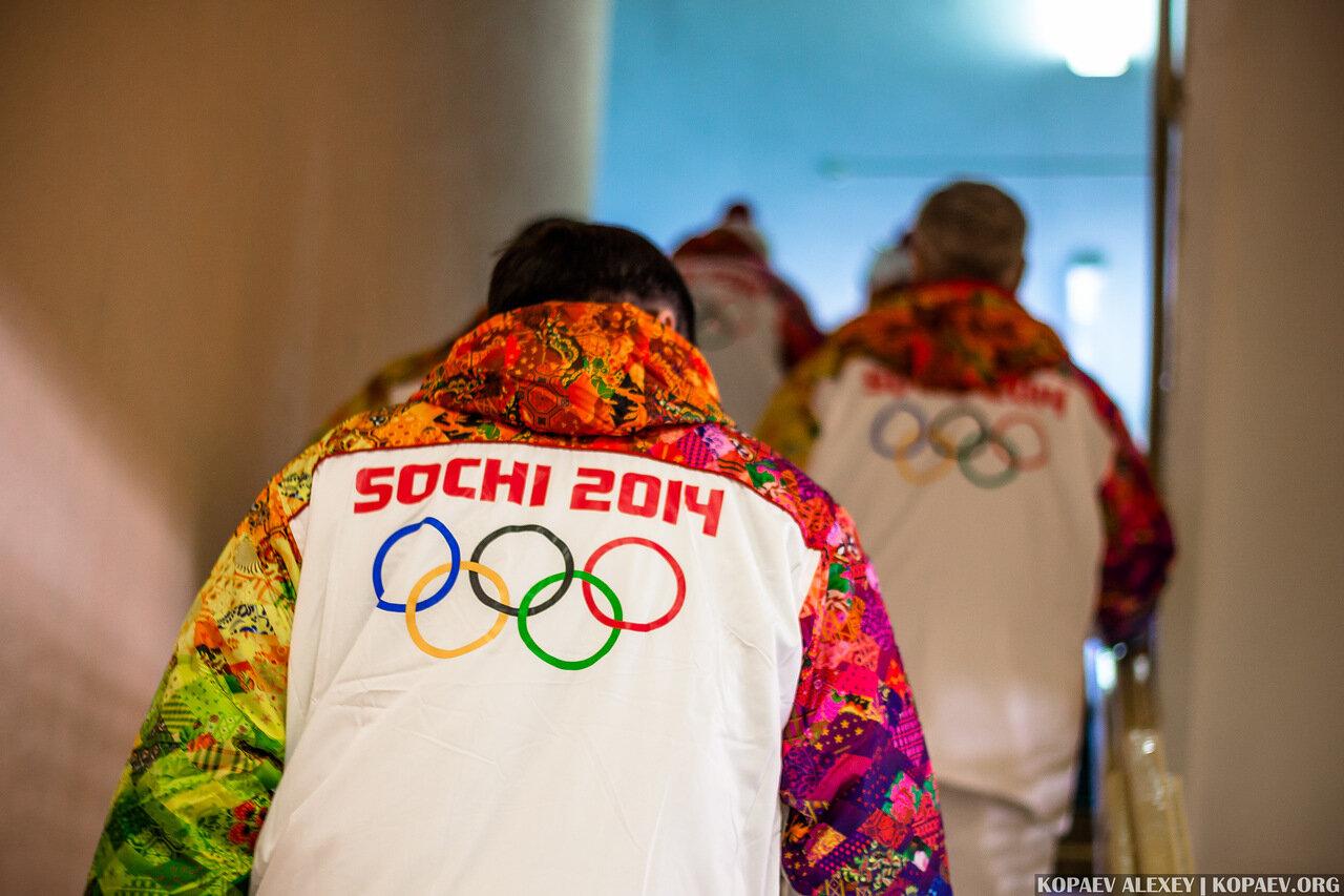 Инструктаж факелоносцев перед эстафетой олимпийского огня в Волгограде