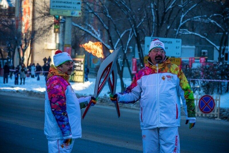 Эстафета олимпийского огня в Волгограде фото видео