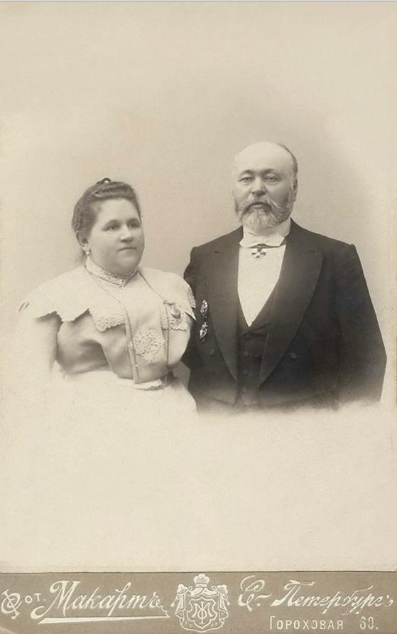 1906. Петербургский купец Семенов Сергей Терентьевич с женой Ольгой
