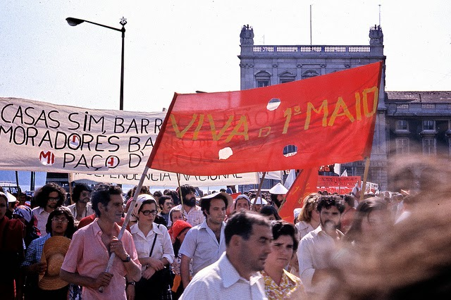 Революция гвоздик в Лисабонне, 1974 год.