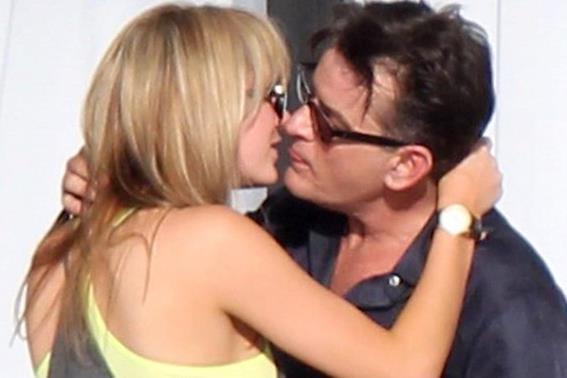 Чарли Шин женится на порноактрисе Бретт Росси