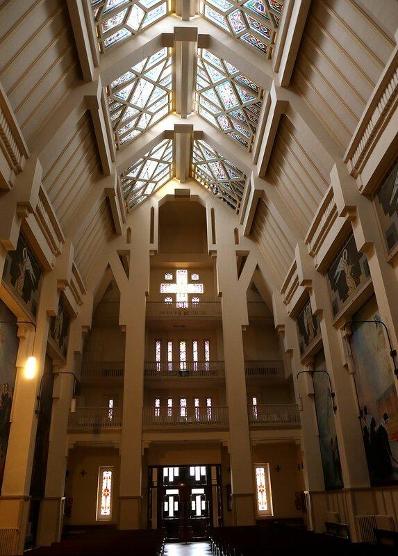 Памплона. Церковь Чудесного Медальона (Iglesia de La Milagrosa)
