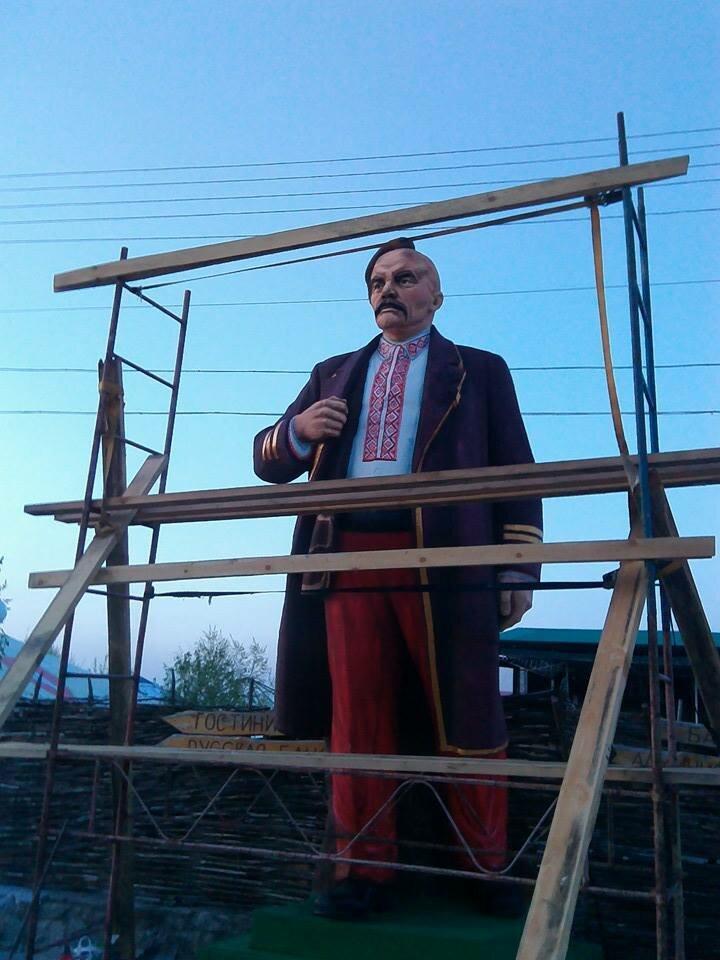 Lenin-kazak.jpg