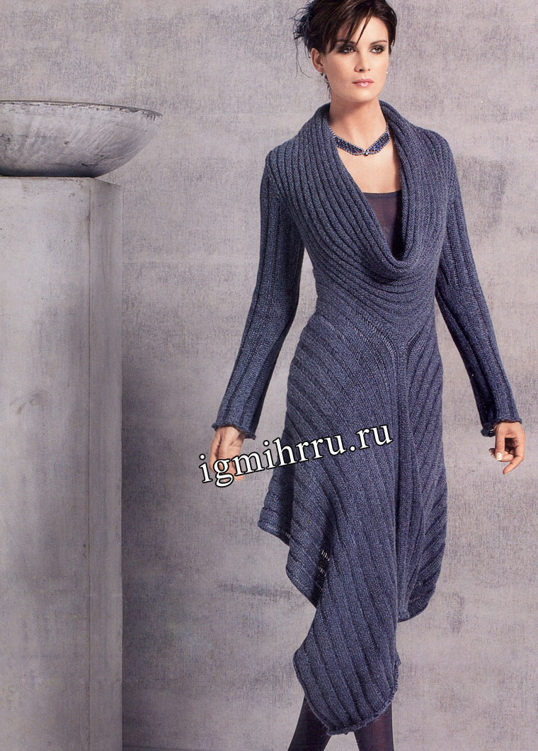 Серо-синее платье оригинального фасона. Вязание спицами