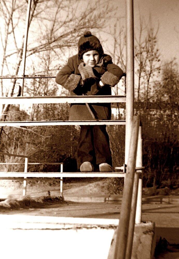 126. 1978. Лестница у д.№4 по Карамышевской набережной