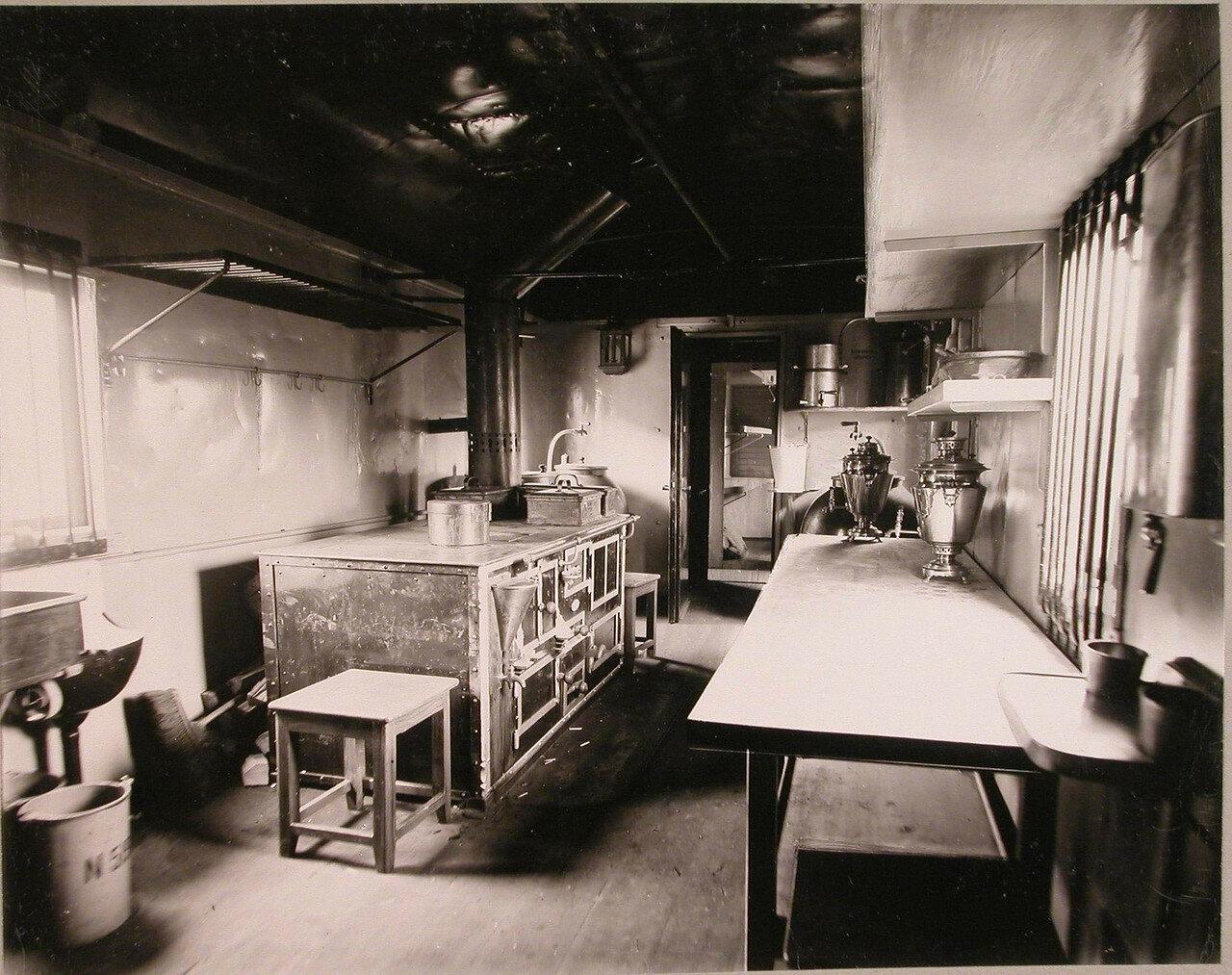08. Внутренний вид вагона поезда, оборудованного под кухню