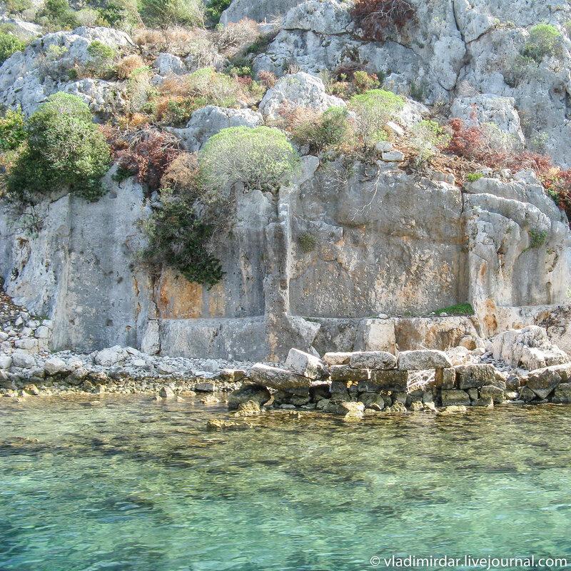 Руины древнего скального города Долихисте