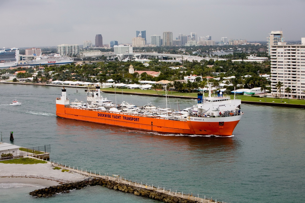 Super Servant 4 in Ft. Lauderdale, file photo (2007)