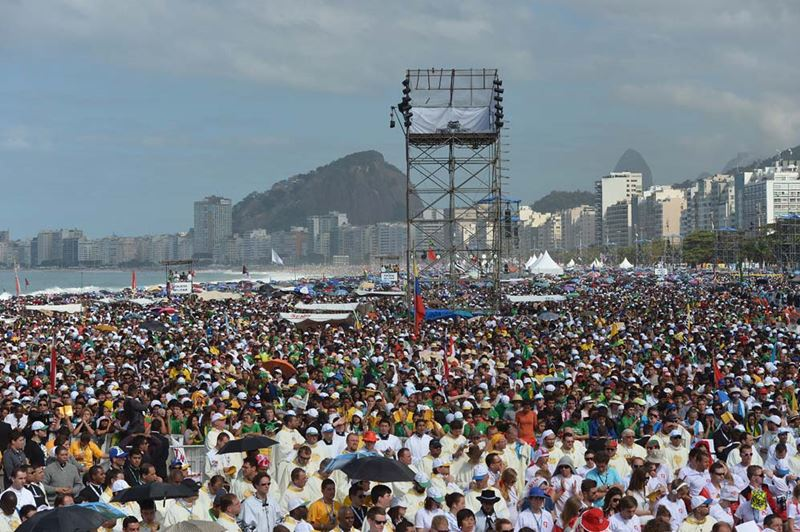 Папа римский на пляже Копакабана в Бразилии