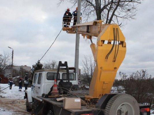 Граждане  3-х  районов Калужской области остались без электричества после ледяного дождя