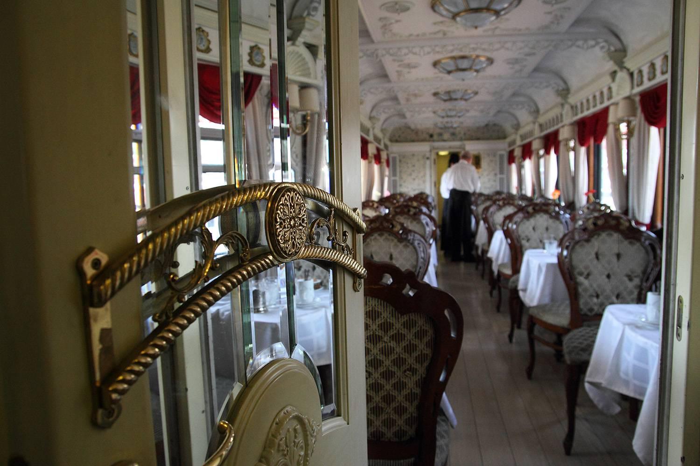 Поезд «Императорская Россия» Цена за билет: от 5 274 долларов. Один из самых знаменитых и роскошных