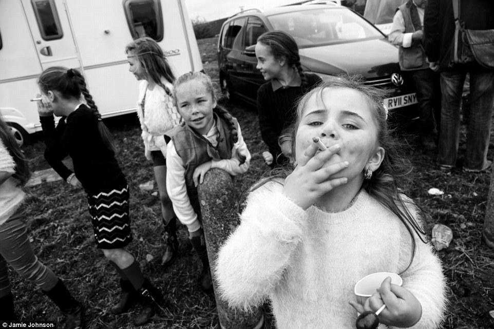 Слишком рано повзрослевшие дети ирландских цыган (29 фото)