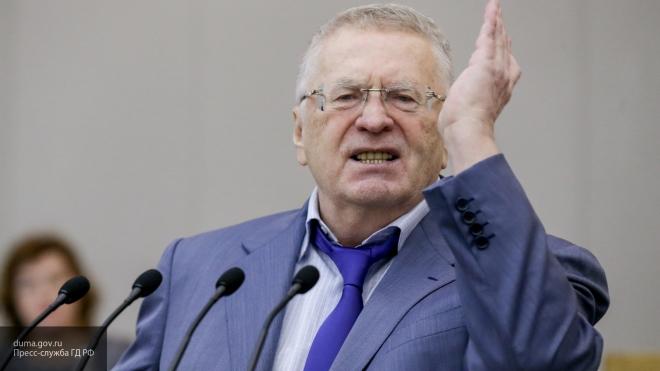 Жириновский предложил заменить звезды башен Кремля орлами