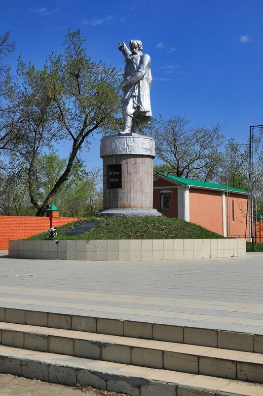 Балахна, Памятник Кузьме Минину