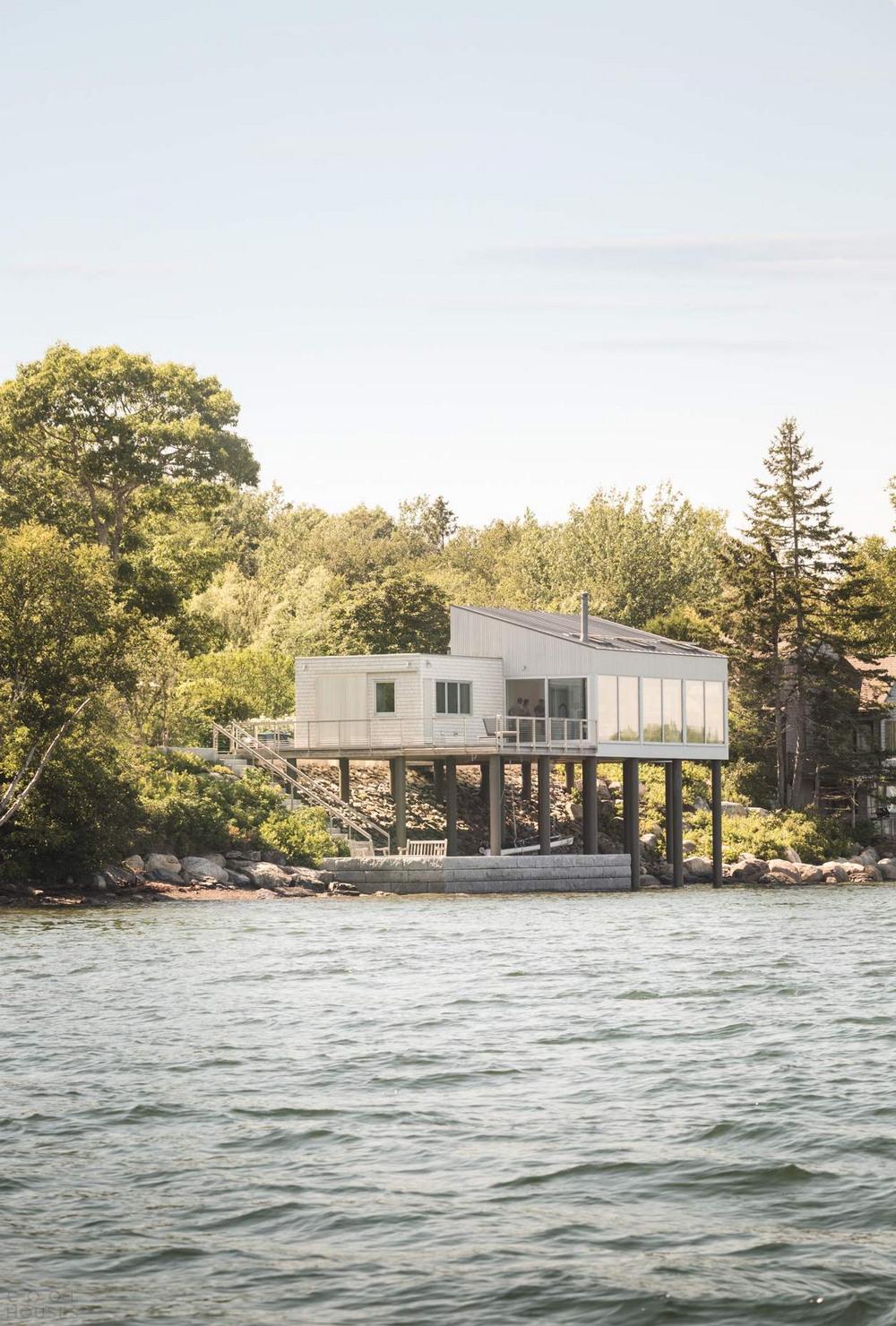 «Дом над морем» в США