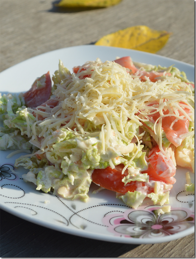 Салат из пекинской капусты с помидорами