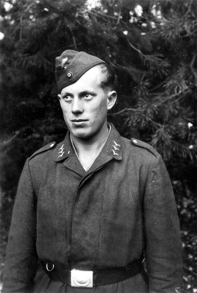 1941-1944 297