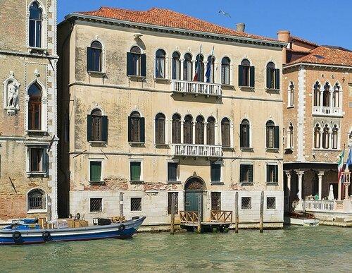 Palazzo Moro a San Barnaba.jpg