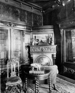 Часть кабинета в особняке М.К. Покотиловой.