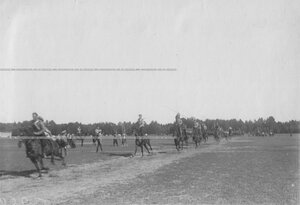 Вольтижировка с пиками казаков полка на ипподроме в Красном селе.