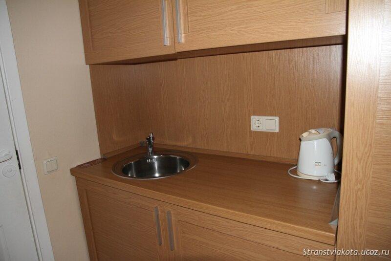 Мини-кухня в Вилла Люкс в отеле Margis (Литва)