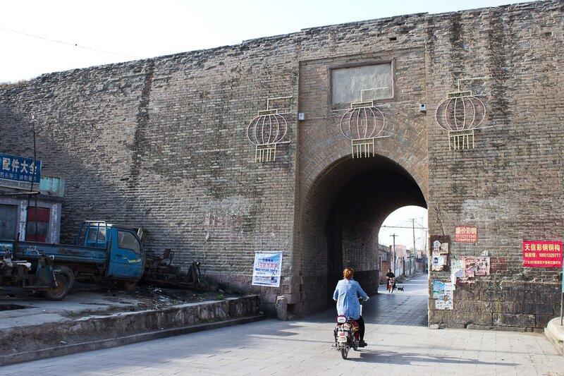 ворота укрепленного города Ваньцюань (Wanquan)