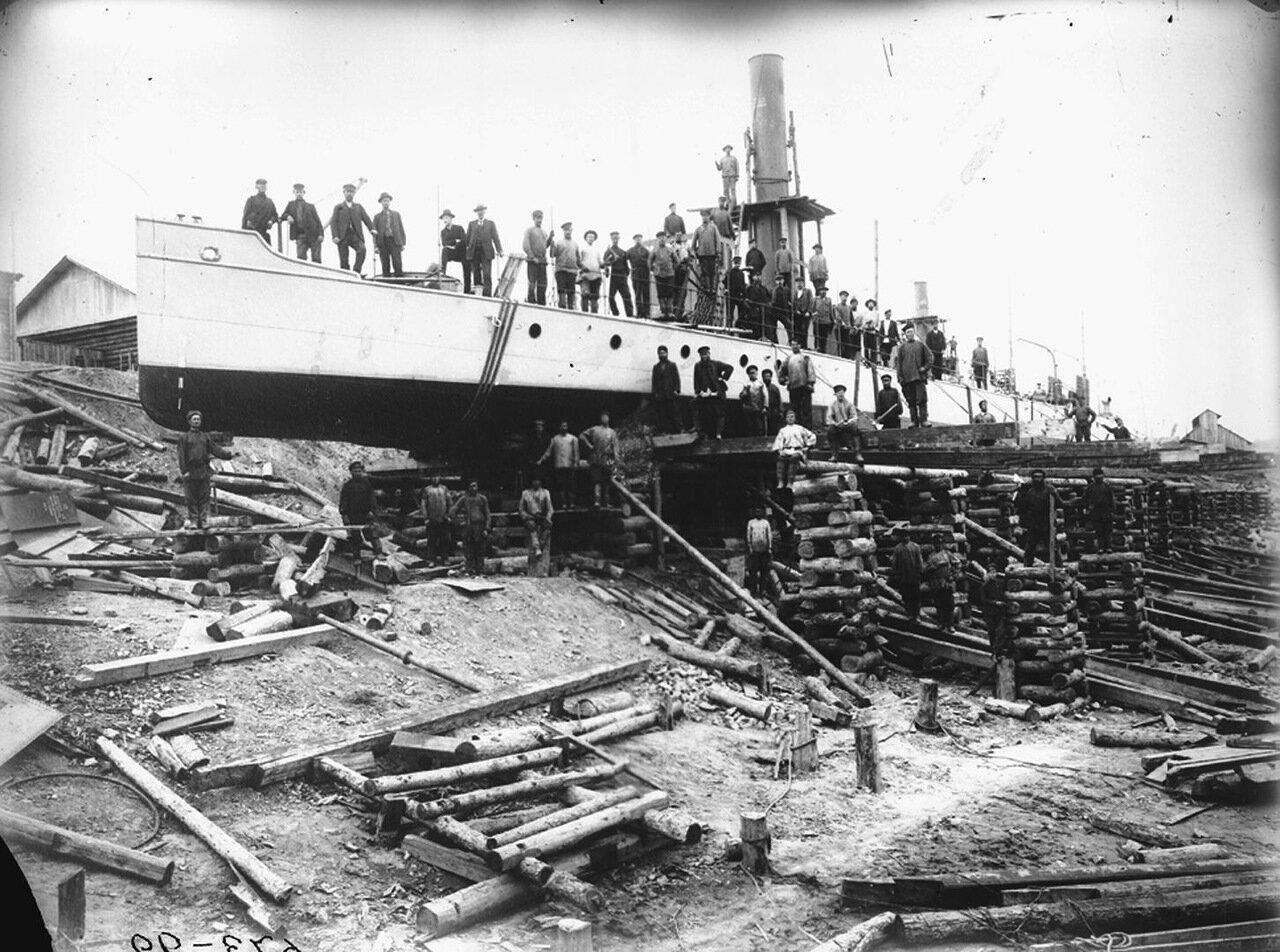 1908 г. Спуск канонерских лодок на воду на р. Шилке. Сормово, завод №112.