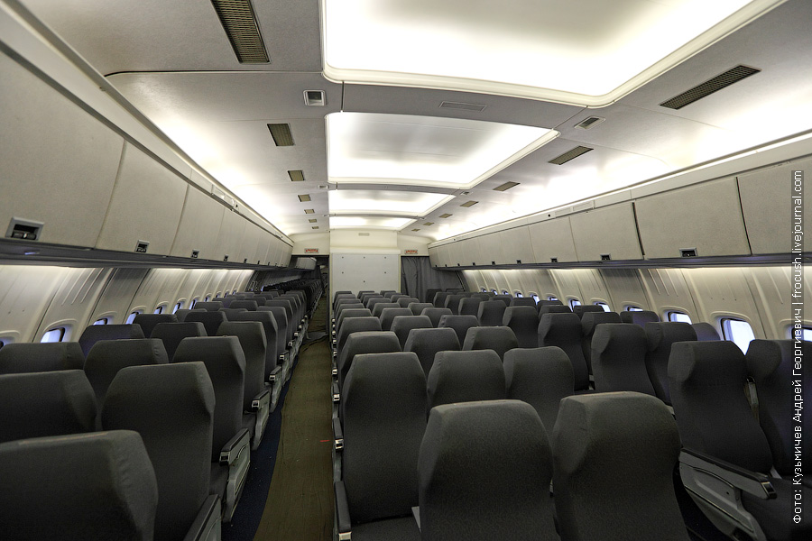 Пассажирский салон Ил-86