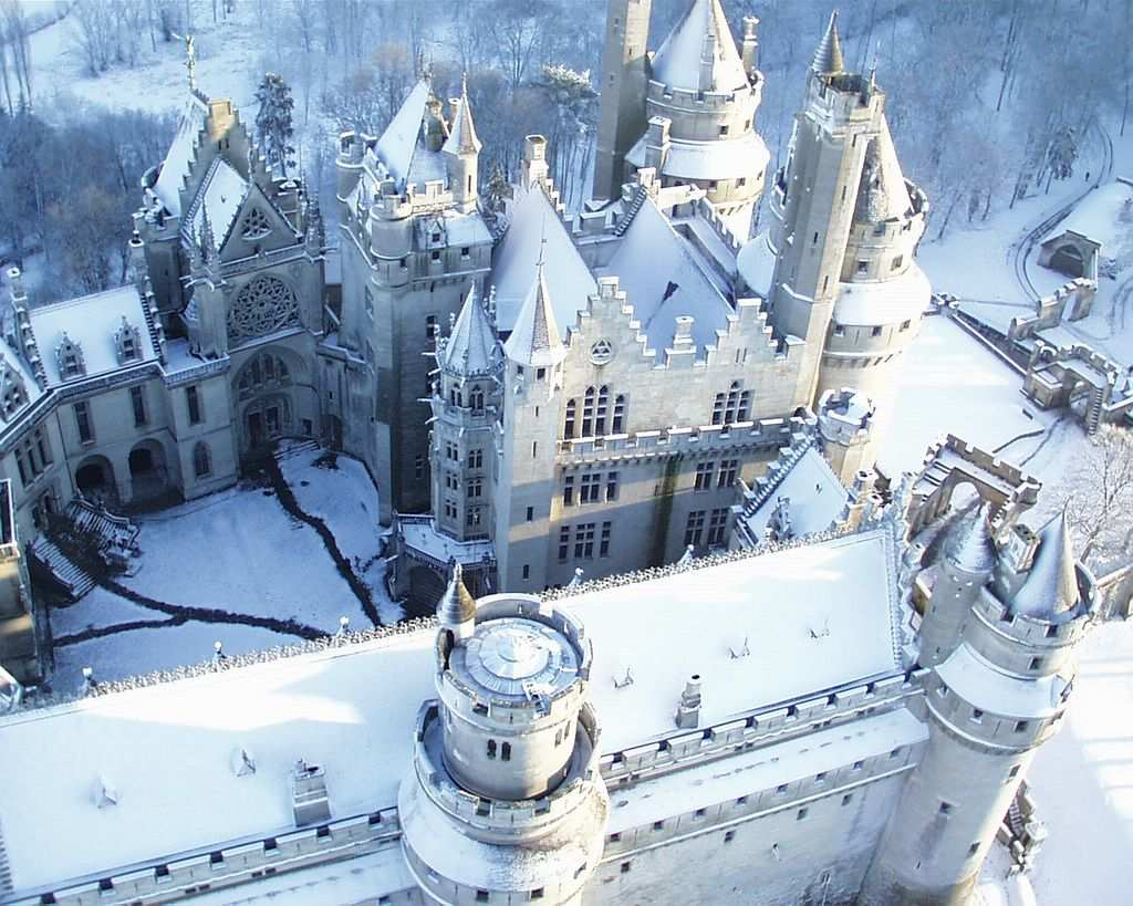 CASTLES DURING WINTER